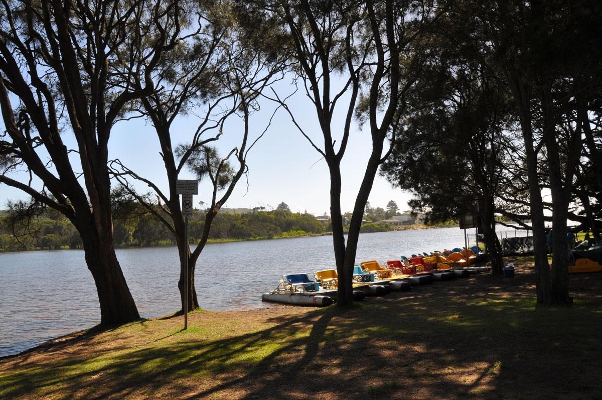 Boat rides on Bulbararing Lagoon