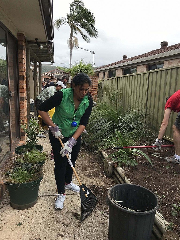 Meals on Wheels Central Coast Organises Garden Renovation for Bateau Bay Local